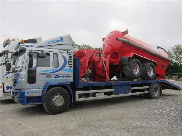 Todays delivery 3000 Gallon Tanker & Pipe Lifters