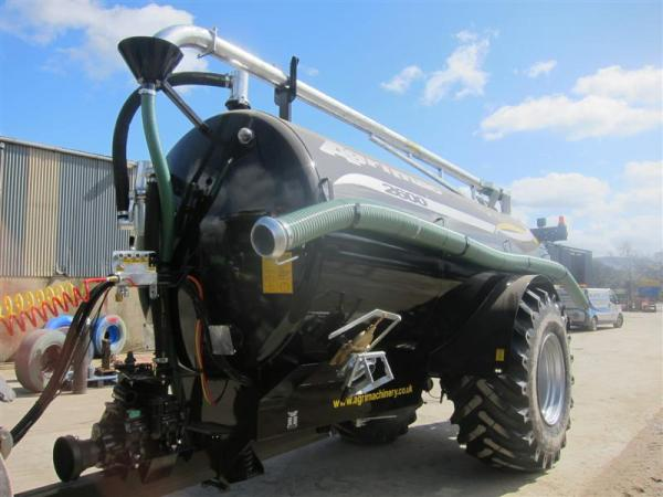 2600 Gallon Slurry Tanker (19-04-13)